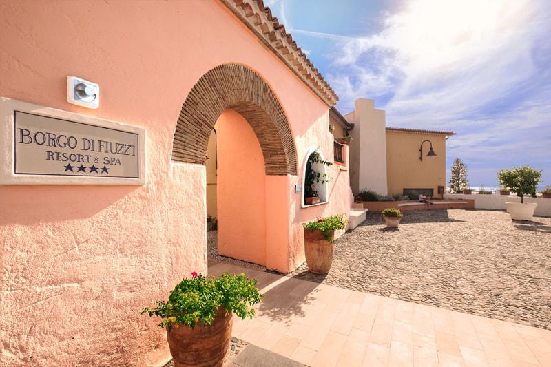 Offerta di pasqua sconto 10 borgo di fiuzzi resort for Quattro stelle arredamenti prezzi
